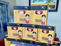 Dược phẩm Hoa Sen trao quà Trung thu tri ân khách hàng thân thiết 2020